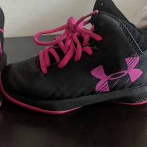 11 girls under armour basketball sneakers